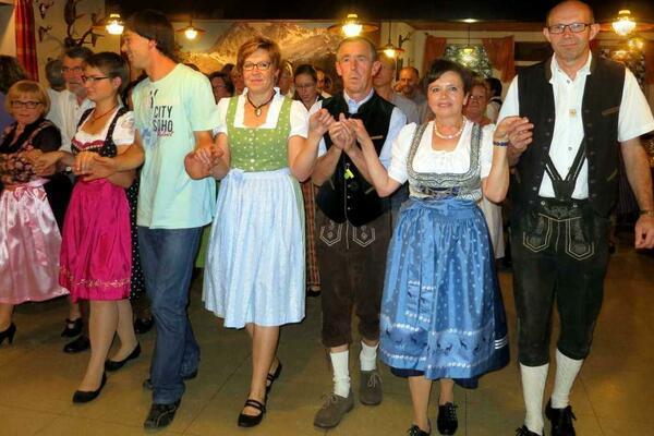 Bild vergrößern: Bayerischer Volkstanz